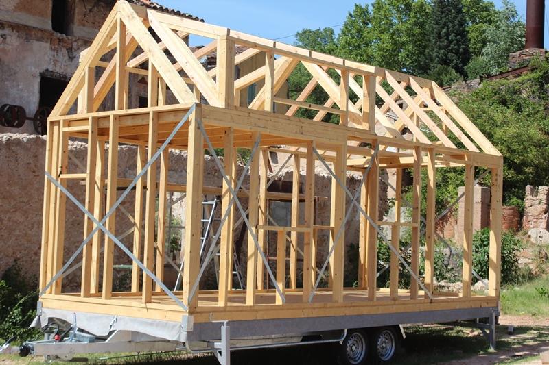 ossature du toit into the wild. Black Bedroom Furniture Sets. Home Design Ideas